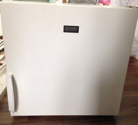 Zanussi compact fridge