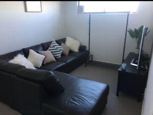 Corner sofa/lounge