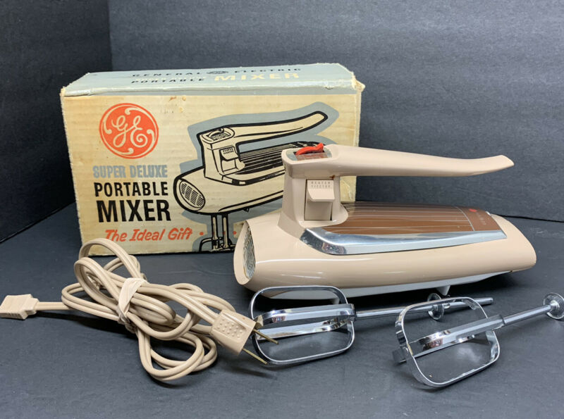 Vintage WORKING GE General Electric M47 3-speed Hand Mixer Beige Box