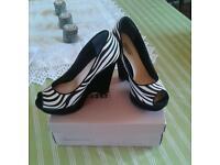 Ladies peep toe wedge shoes