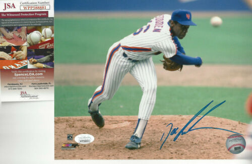 1986 New York  Mets Doc Gooden autographed 8x10 pitching  photo JSA Certified **