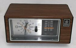 General Electric 7-4550D AM/FM Table Top Alarm Clock Radio - WORKS