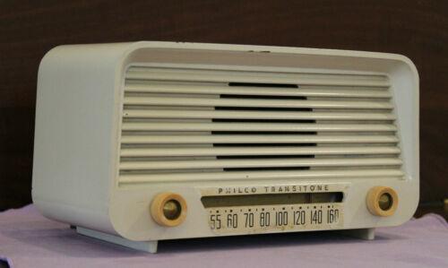 Philco AM 5 Tube Radio Bakelite Model 51-530 (1951)