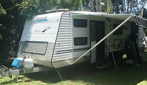 Daydream Retreat (2010 Offroad Model) with twin bunks & ensuite Salt Ash Port Stephens Area Preview