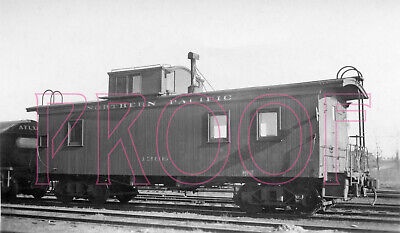 Northern Pacific (NP) Wooden Caboose 1386 at Minneapolis in 1936 - 8x10 Photo