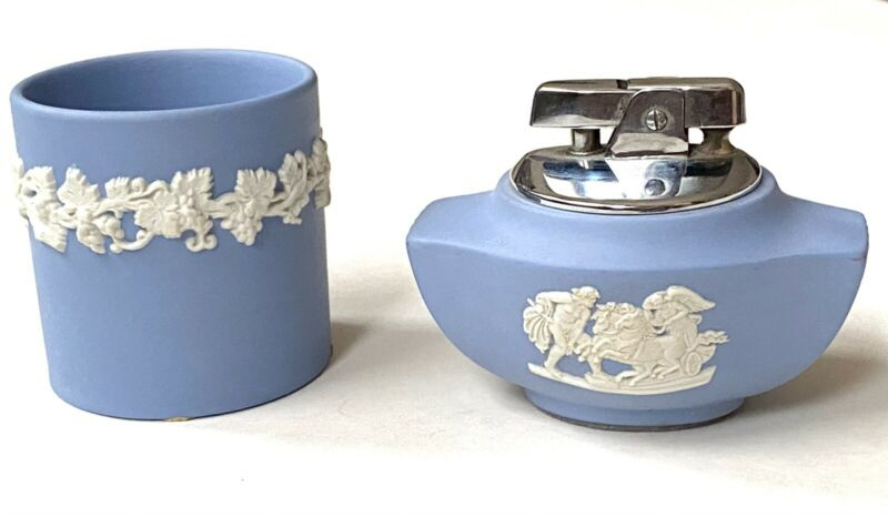 Vintage Wedgwood Jasperware Ronson Lighter And Match Holder Smoking Accessories