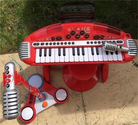 Kids mic and keyboard