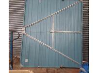 GARAGE DOOR in steel 229cm x 196cm (WxH)