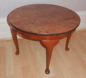 """23.5"""" Round Wooden Coffee Table with Queen Anne Legs - £20"""