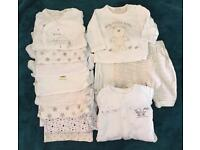 Baby bundle - neutral/white size 0-3 months