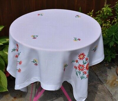 Vintage embroidery linen table cloth 36