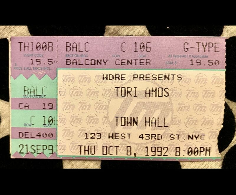 TORI AMOS - LITTLE EARTHQUAKES TOUR - TOWN HALL - OCT 8, 1992