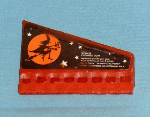 vintage Halloween WOWEE CHEWING GUM WHISTLE harmonica Glenn Confections witch