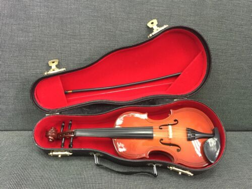 1:3 Scale Doll House Antique Violin Model