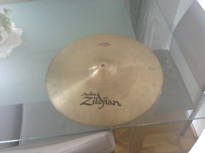 "zildjian 17""avedis thin  crash cymbal Ningi Caboolture Area Preview"