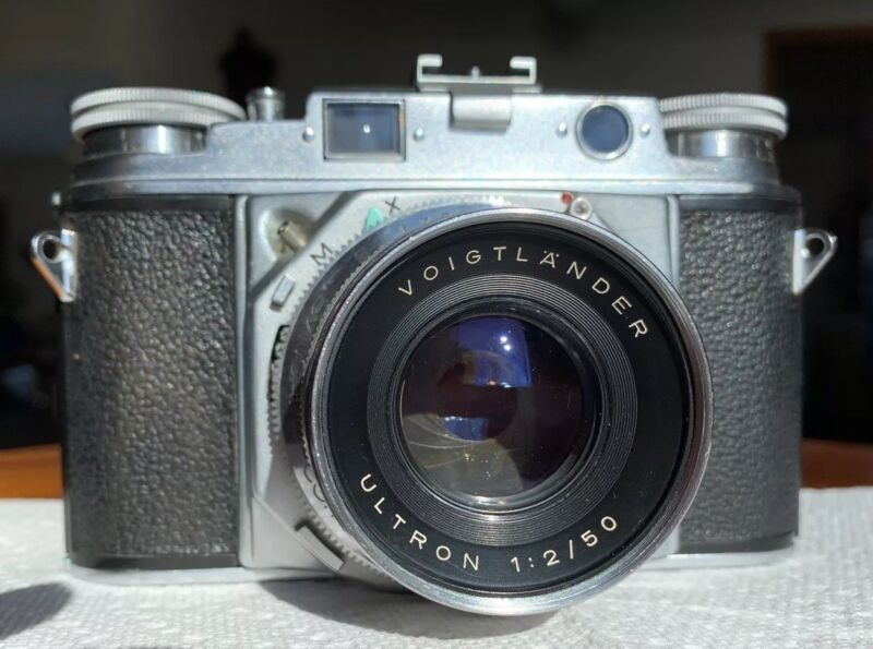 Vintage VOIGTLANDER PROMINENT 35mm Camera