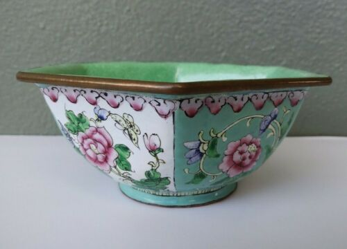 VINTAGE CHINESE HAND PAINTED ENAMEL ON BRASS HEXAGON BOWL