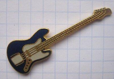 ELEKTROGITARRE / FENDER / GUITAR / GITARRE / BLAU ........Musik Pin (129c)