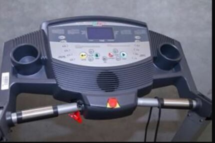 PLATINUM TREADMILL  Illawong Sutherland Area Preview
