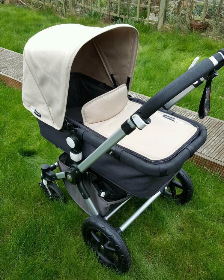 bugaboo cameleon 3 grey sand with raincover and maxi cosi. Black Bedroom Furniture Sets. Home Design Ideas