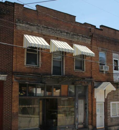 Commercial Storefront with Apartments