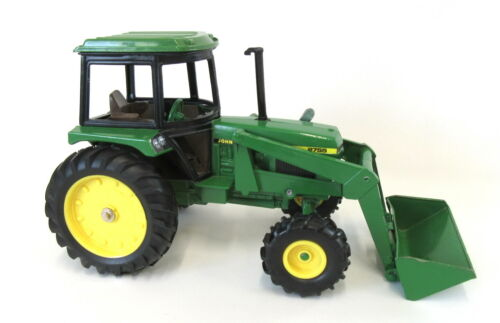 Vintage ERTL 1:16 Die Cast 2755 John Deere Tractor **VERY NICE**