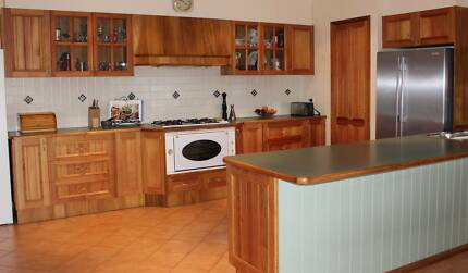 Solid Timber KItchen in great condition