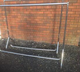 6 ft sturdy clothing rail chrome