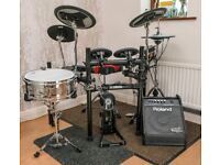 "Yamaha DTX532K Electronic drumkit MINT with lots of extras, amp, headphones, 14"" snare, iPad (32GB)"
