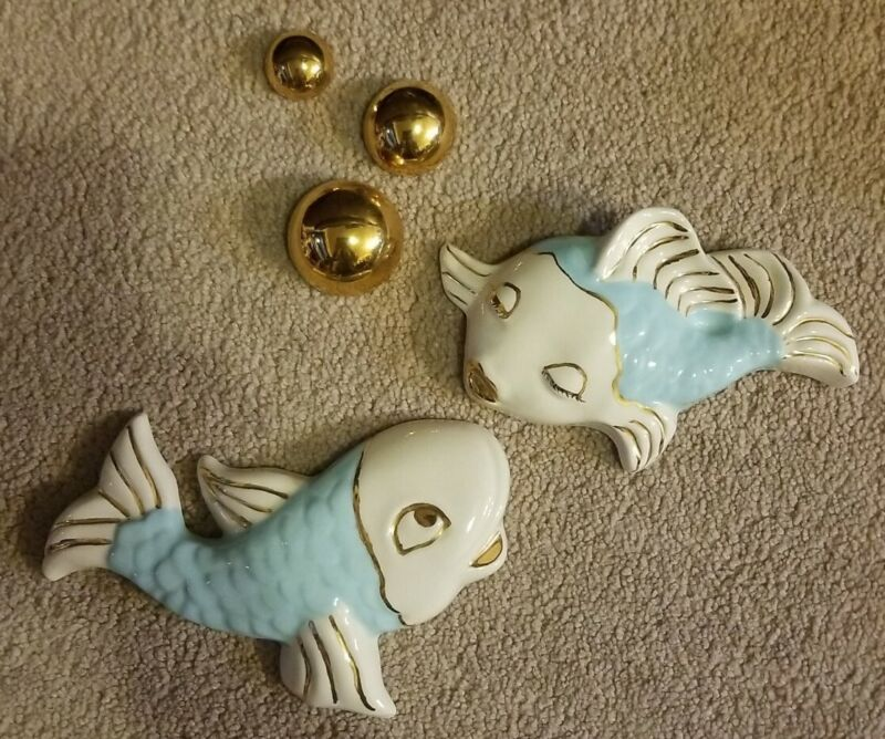 Vintage Ceramic Wall Hanging Blue & Gold Pair Kissing Fish Plaques w/Bubbles