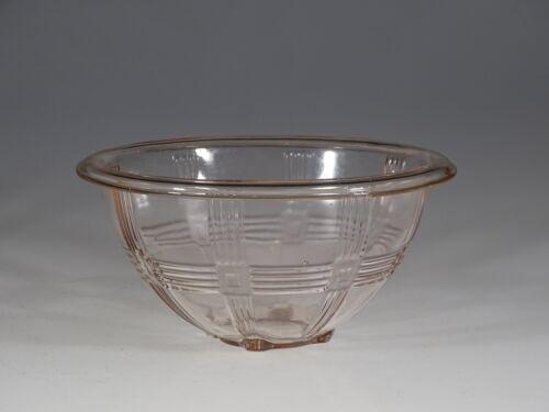 Hazel-Atlas Glass Pink Criss Cross 7-1/2 Inch Mixing Bowl c.1935