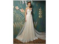 Brand New 2017 Enzoani Wedding Dress
