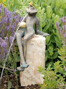 Wasserspeier Figur Froschkönig Gunter 32 cm aus Bronze Rottenecker Wasserspiel
