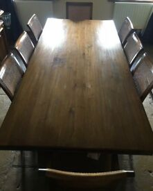 Hunter Creek Dining table set