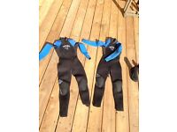 2 x Excel 4/3mm Kids wetsuits Age approx 6. £40 for 2, or £20 each