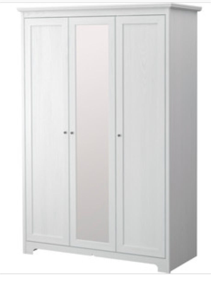 white washed wooden ikea aspelund 3 door wardrobe with mirrored door like pax brusali brimnes. Black Bedroom Furniture Sets. Home Design Ideas