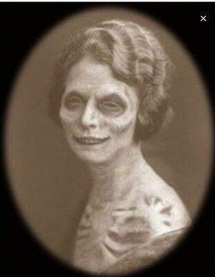 Changing Portrait Halloween Prop Zombie Woman Old Young Decoration Picture New (Halloween Portrait)
