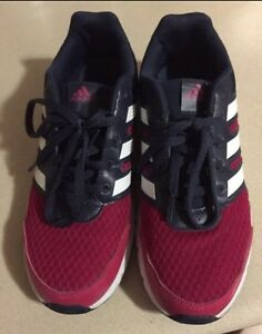Adidas runner size 6 for $20