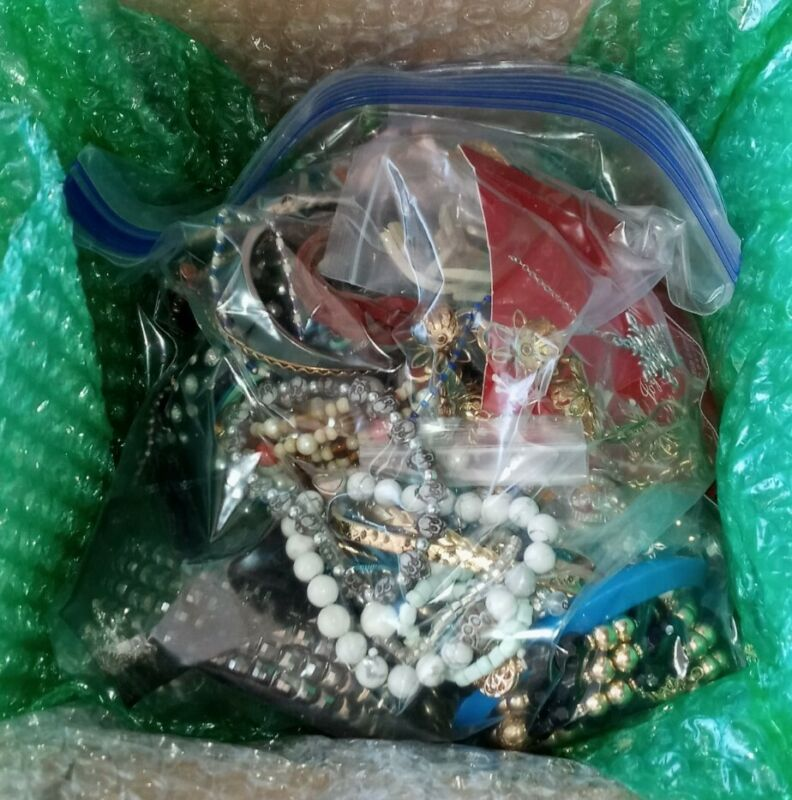 Large 4 Lb Lot Of Nice Vintage To Modern Mixed Jewelry Wearable Sellable Lot S21