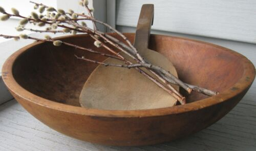 ANTIQUE 1940s WOODEN SIGNED MUNISING BOWL WITH SLANTED LETTER SIGNATURE,DATES IT