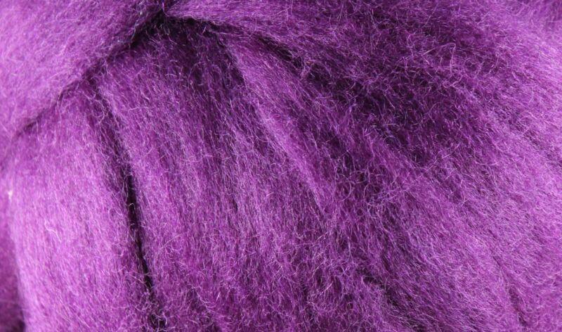 Wool Roving - 1oz - Red Plum