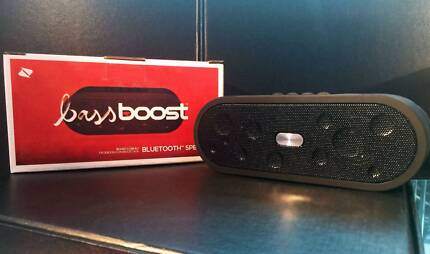 BASS BOOST BLUETOOTH SPEAKER PORTABLE AUX USB CABLE CONNECTIVITY