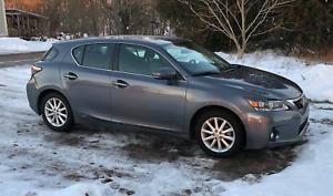 Hybrid Hatchback - Lexus CT 200H