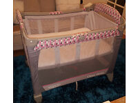 GRACO Classic Electra travel cot + Mamas & Papas mattress (3 fitted sheets included FOR FREE)
