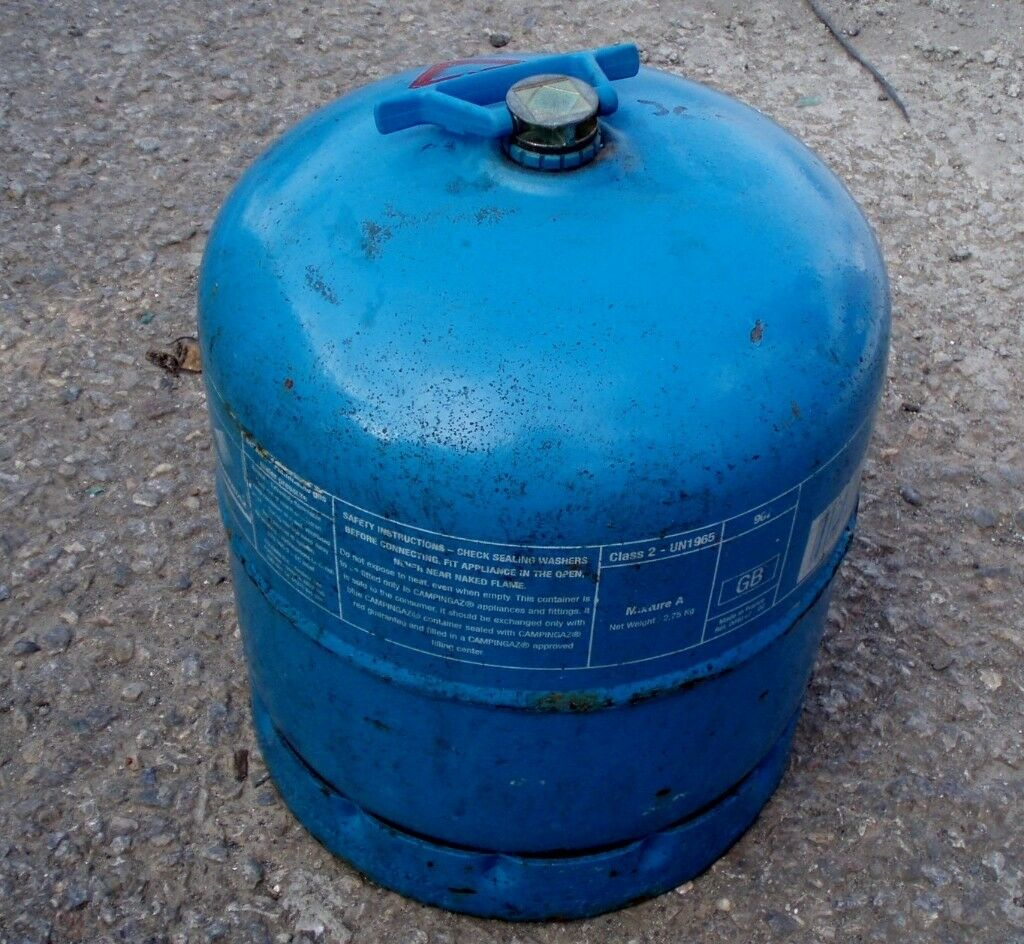 camping gaz bottle 907, full with regulator | in Plymouth
