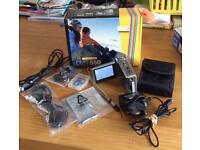 Vivitar DVR 550 Digital Camera