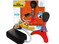 MINIONS (DESPICABLE ME CHARACTERS) BRITISH AIR BLAST STOMP ROCKET LAUNCHER, postage available