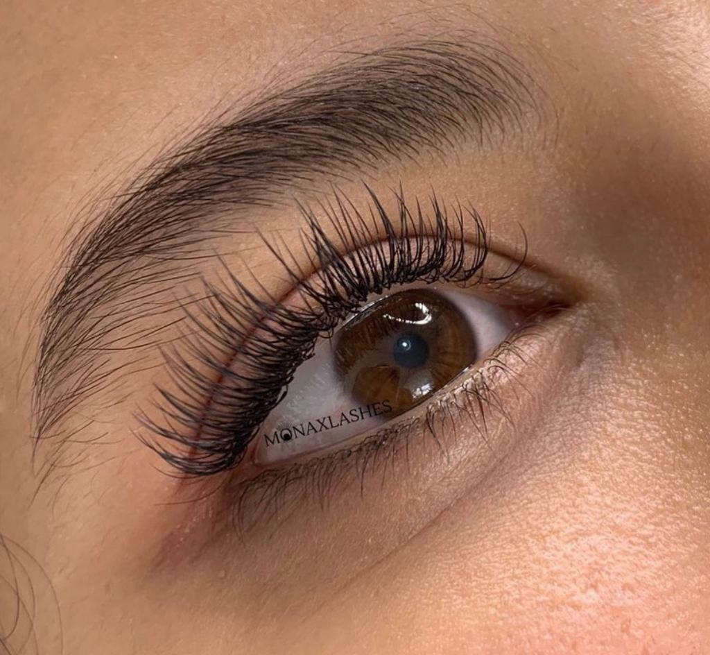 Classic eyelash extensions - WESTMINSTER   in Westminster
