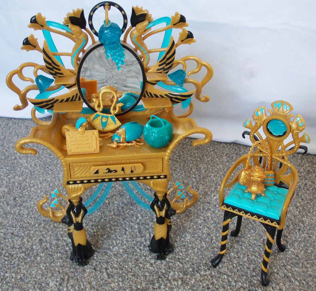 Monster High Cleo De Nile Vanity Dressing Table Chair Still : monster high table and chairs - Cheerinfomania.Com