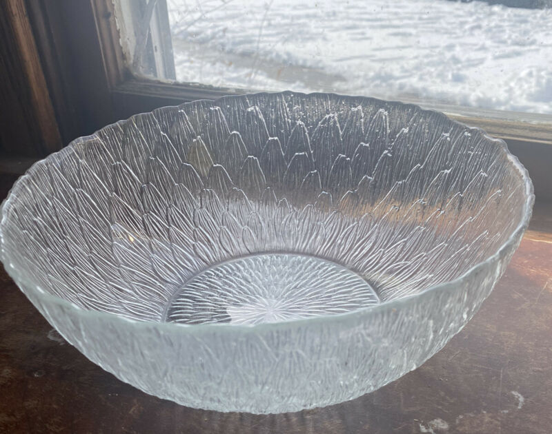 Arcoroc Textured Petal Leaf Serving Bowl - Large